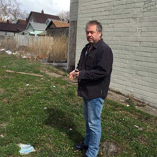 Subway Stalled on Niagara St., as City Mulls Loan Conditions