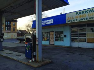 US gas station shuttered; new Seneca gas station saves 41 cents/gallon taxes.