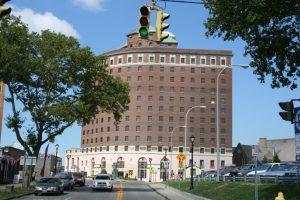 The storied Hotel Niagara